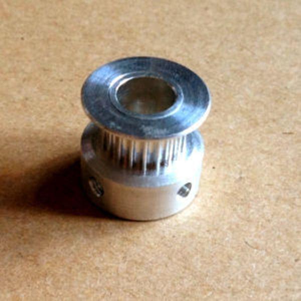 poulie gt2 20 dents 8mm + vis